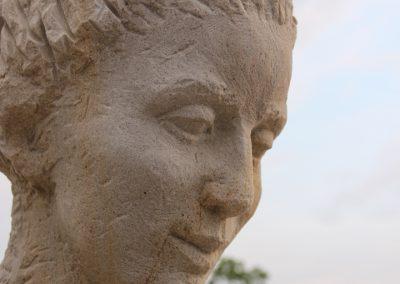 """Jitka Kusova """"Gloria"""", homokkő,1,8 m, Visk"""